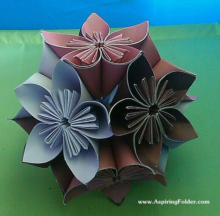 kusudama Cancel a origami no glue Reply  Leave reply